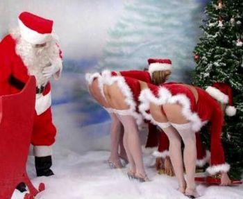 Weihnachtsmann mit den Sexcam Girls